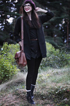 crimson beret hlns hat - black Nilson boots - black Pudel dress