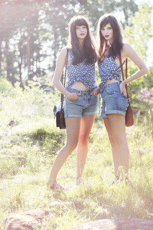 blue flower print H&M top - sky blue denim Monki shorts