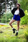 Thrifted-vintage-jacket-gina-tricot-shorts-weekday-top-jeffrey-campbell-he
