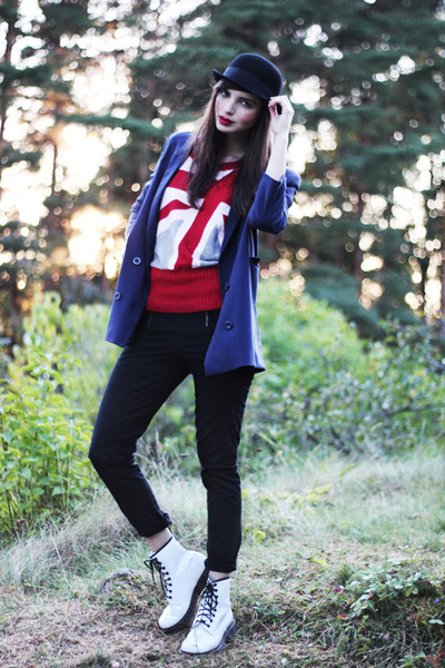 red romwe sweater - white patent leather Dr Martens boots
