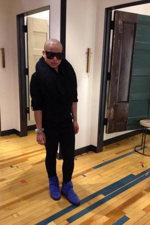 Zara sneakers - trip nyc jeans - H&M shirt - INVU scarf