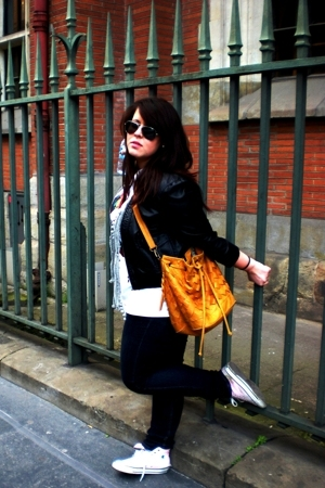 H&M jacket - Mango jeans - nike shirt - Ray Ban glasses - Misako purse