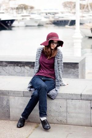 black Clarks shoes - navy Mango jeans - magenta Pimkie hat - magenta H&M t-shirt