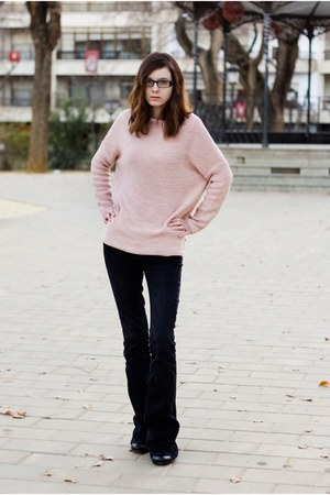 black Clarks boots - black Zara jeans - light pink Primark sweater