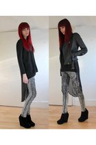 black polyester shampalove top - heather gray skinny Criminal Damage jeans