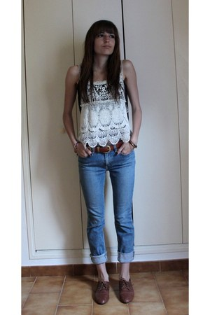 tawny brogues formengirl shoes - blue skinny Levis jeans - white crochet tokyo t
