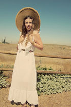 white vintage dress - gold vintage hat - brown cydwok shoes