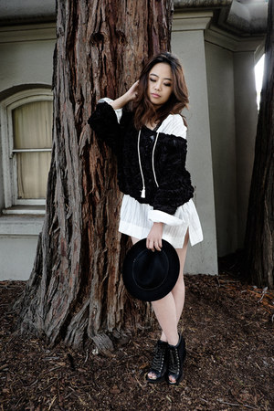 black American Apparel top - wool Urban Outfitters hat - white madewell shirt