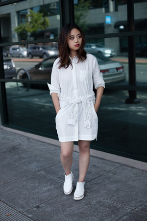 white shoes Zara boots - white dress madewell dress