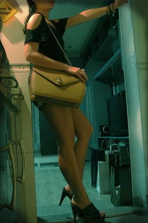 black H&M top - gray Caelen & Clyde shorts - black Zara shoes - brown satin purs