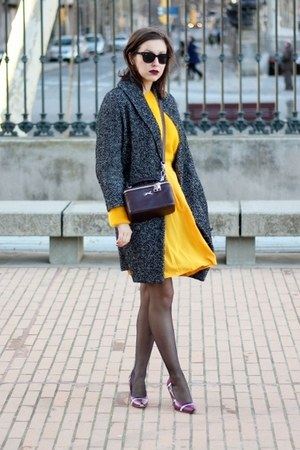 gold H&M sweater - dark gray H&M coat - crimson Bimba & Lola bag