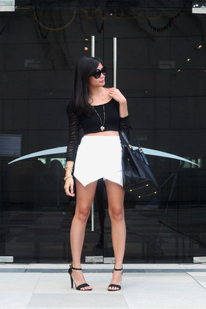 oversized Topshop sunglasses - lace Forever 21 top - gold Aldo accessories