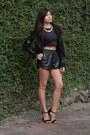 Crop-aveadena-top-black-delicious-heels