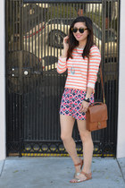 stripe Forever 21 Girls t-shirt - willis coach bag - patterned Gap shorts