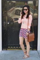 stripe Forever 21 Girls t-shirt - willis coach bag - patterned Gap shorts