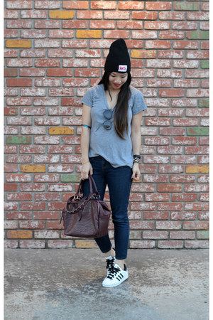 Target t-shirt - beanie Curtis Kulig x Urban Outfitters hat - Forever 21 bag