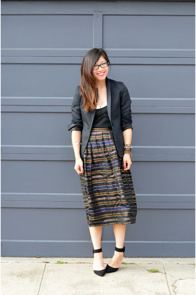 thrifted skirt - H&M blazer - Aritzia top - Zara heels