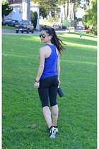 mirrored Aldo sunglasses - athletic Ross pants - Ross top