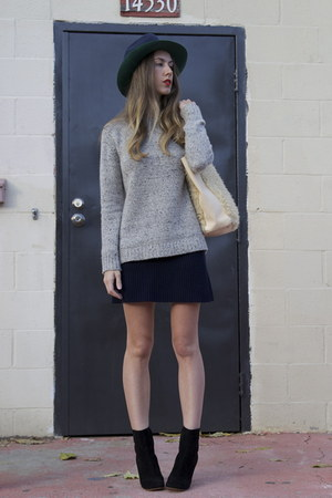 knit Creatures of Comfort sweater - Celine boots - mm6 hat - fuzzy tote Ys bag