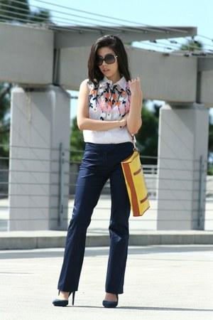 navy LAMB heels - gold tory burch bag - black Chanel sunglasses - navy INC pants