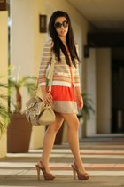 carrot orange Cable and Gauge cardigan - ivory Fiorelli bag