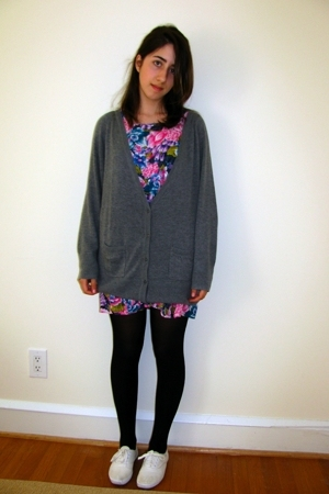 pink vintage dress - white sneakers Keds shoes - gray oversize H&M sweater