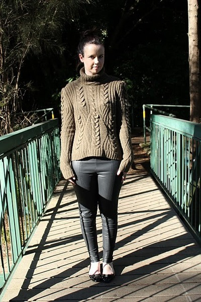 olive green Witchery jumper - black Topshop leggings - black ferragamo flats
