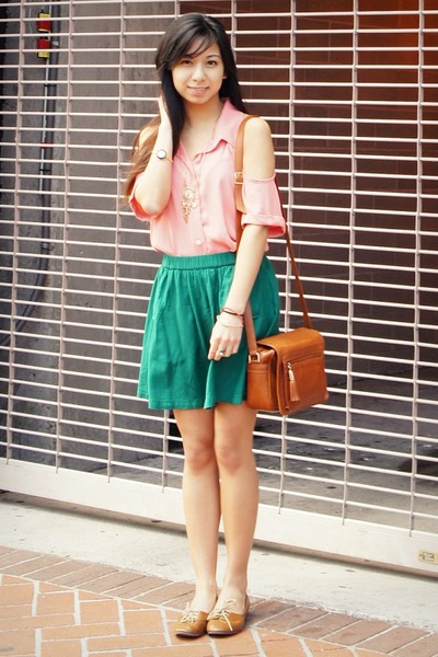 shopsosie blouse - vintage bag - Urban Outfitters skirt - Steve Madden flats