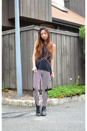 gold chain Lovelywholesale necklace - black stripes leggsington leggings