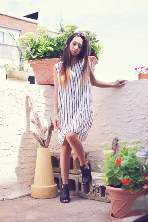 white DressLink dress - black Clarks boots - light purple pamela love necklace