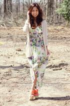 ivory dress - eggshell cardigan - olive green necklace - carrot orange heels