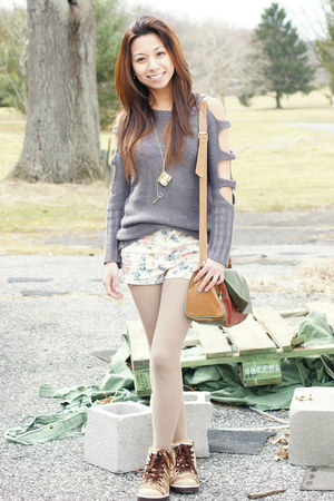 HUE tights - vintage bag - Forever 21 shorts - Thats Pretty necklace