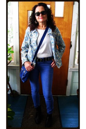 gifted jacket - navy skinny Joes Jeans jeans - white Express top