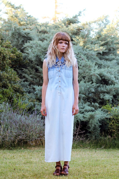 ombre vintage dress - pearl necklace subversive necklace - Zara sandals