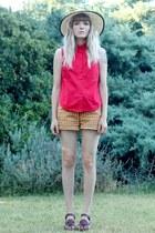 mustard Target shorts - Urban hat - red red sleeveless vintage shirt
