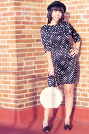 beige Womens secret bag - black BLANCO dress - black H&M hat