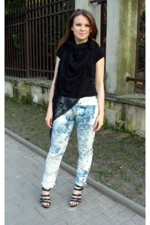 H&amp;M t-shirt - vintage accessories - jeans - Graceland shoes