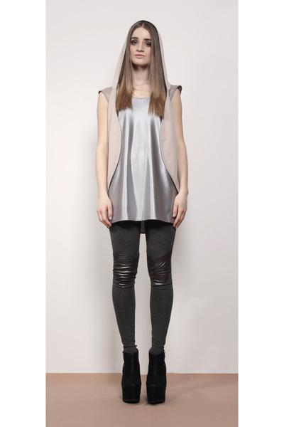 Zoe Phobic vest