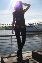 gray Marc Jacobs sweater - black J Brand jeans - black sam edelman shoes