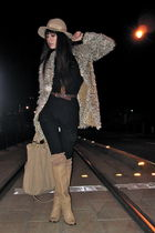beige vintage boots - black city of dolls top - beige vintage jacket
