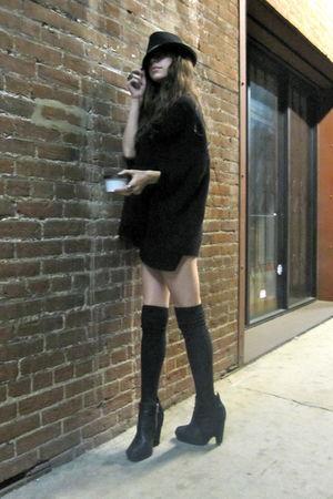 black H&M sweater - black sam edelman shoes - black Urban Outfitters hat