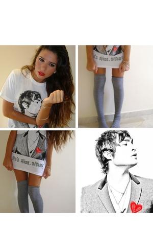 YATT t-shirt - Calzedonia socks - accessories