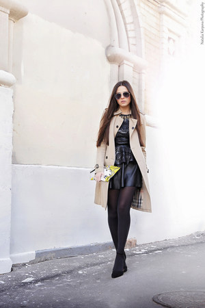 beige Burberry coat - black brandy melville skirt