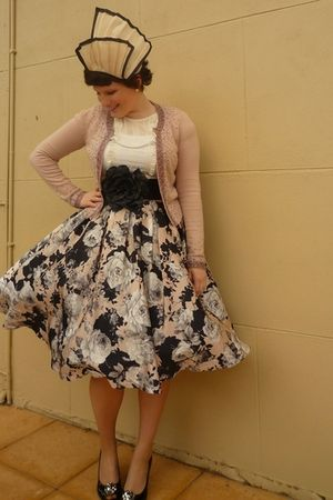 pink Review skirt - pink Review cardigan - black Joanne Mercer shoes - beige Mor