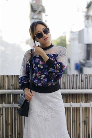 white aj store skirt - black black crossbody aj store bag