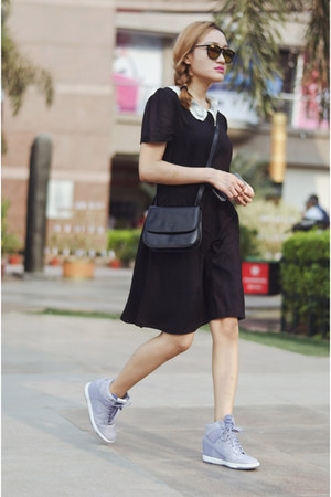 black aj store dress - black vintage Prada bag - periwinkle wedges nike sneakers