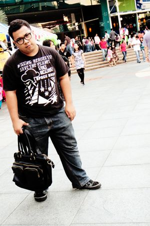 black Springfield shirt - blue Diesel jeans - black Ray Ban sunglasses - black V