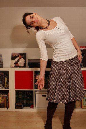dark brown no name tights - dark brown H&M skirt - white Stradivarius shirt - bl
