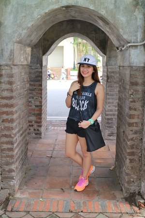 black nylon bag - white hat - black Forever 21 shorts