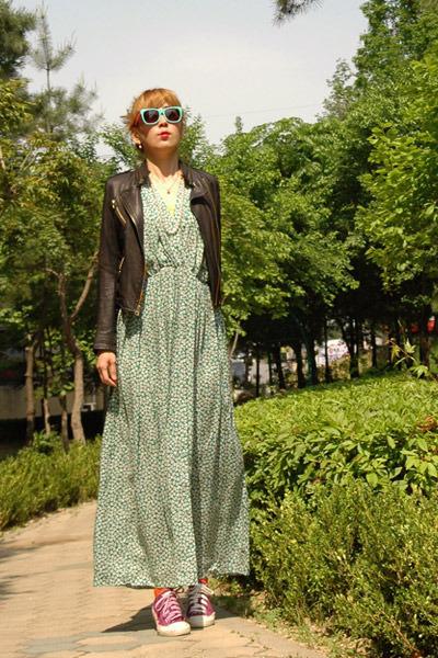 dark green dress - carrot orange socks - aquamarine sunglasses